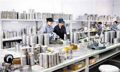 青岛啤酒项目成功引进及顺利投产,围绕项目配套,直接带来了
