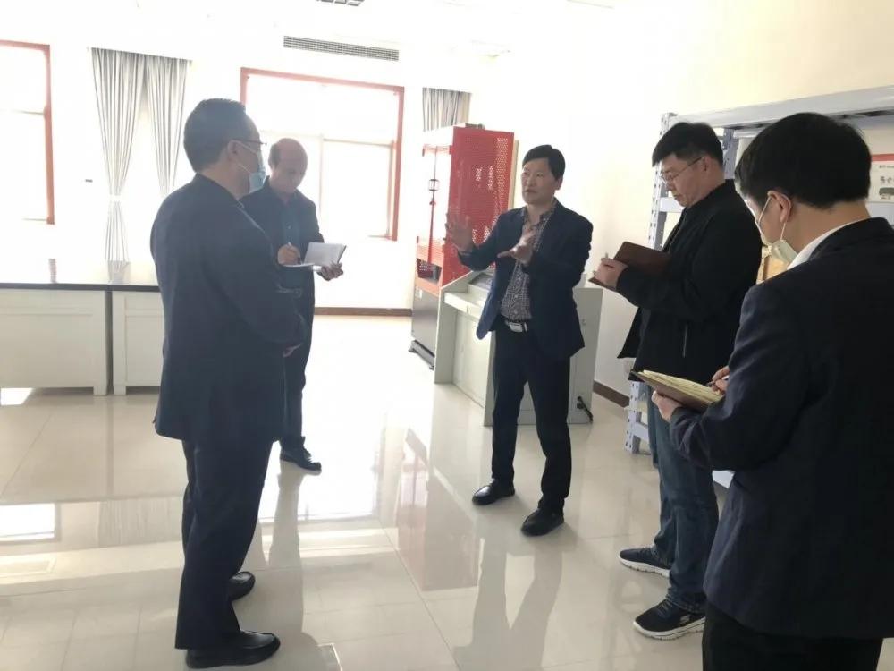 馆陶县地方金融监管局组织金融机构深入轴承园区开展银企对接
