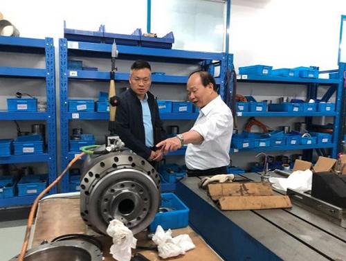 闵行区台办主任张海平一行走访调研上海辉远电机有限公司