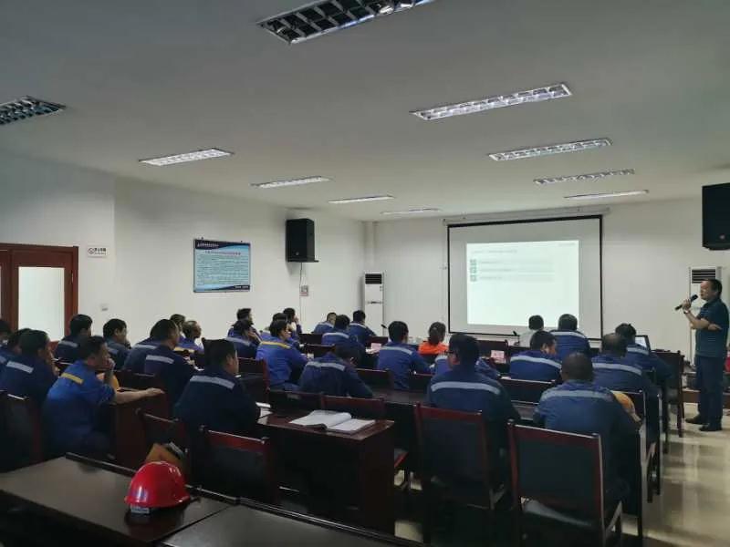 西安精工联合舍弗勒到某知名水泥企业进行bwinapp最新版知识培训和技术交流