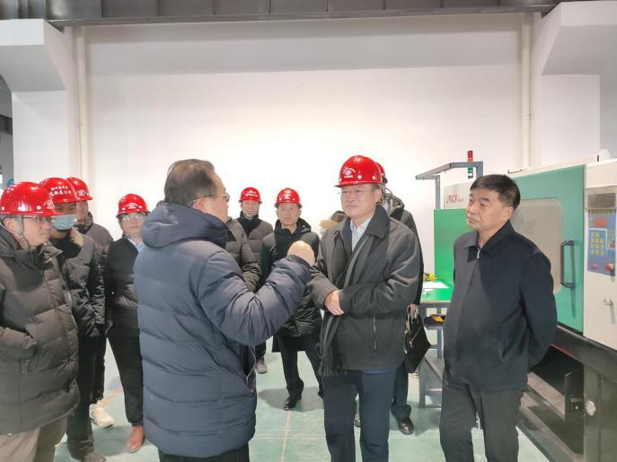 银川市委常委、副市长陈康仁到中轴小镇三期调研指导