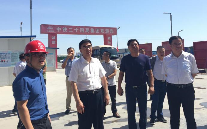 银川市市长杨玉经到中轴小镇三期调研(图)