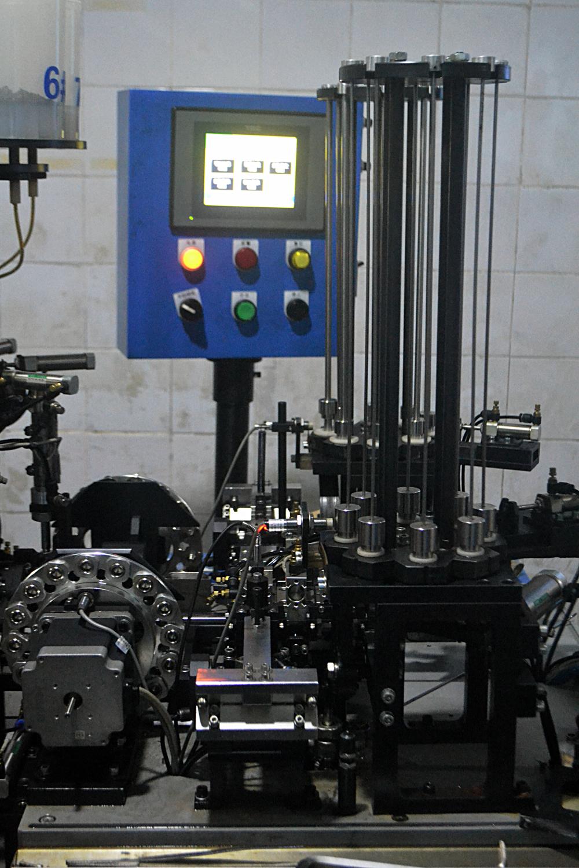 自动装配机