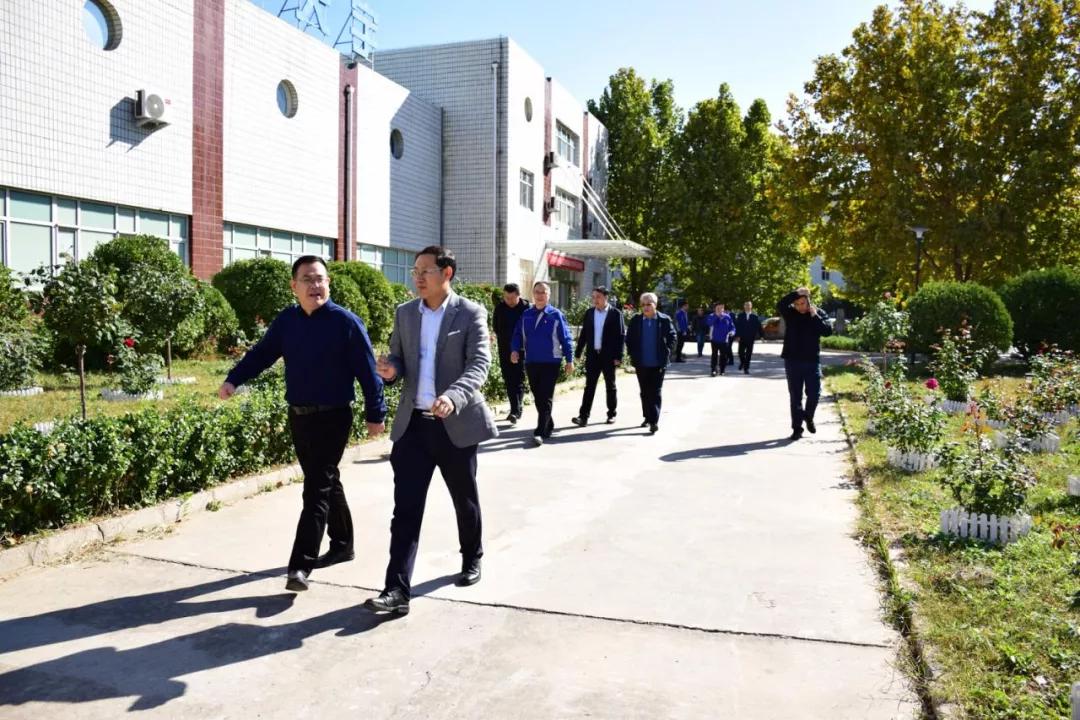 《【沐鸣2娱乐待遇】中国航发哈尔滨轴承有限公司领导一行来北方天宇考察》